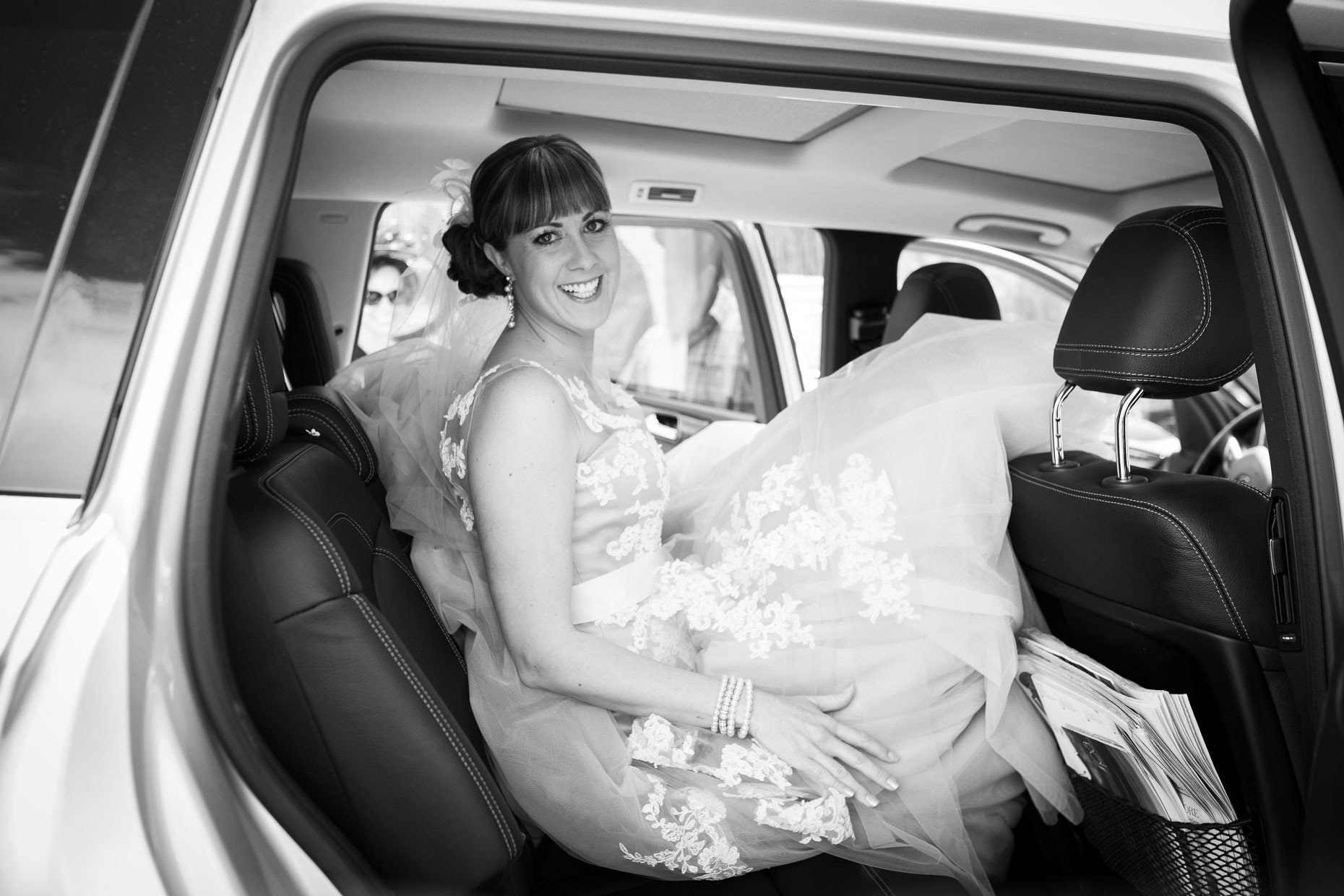 Santa Fe Four Seasons Resort wedding, bride in limo